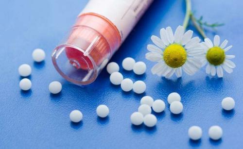 白癜风进行药物治疗的危害有哪些